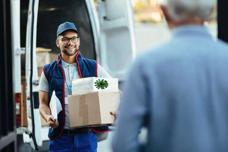 package-delivery-with-coronavirus